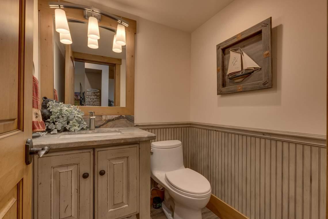12373-Greenleaf-Way-Truckee-CA-large-021-040-Half-Bathroom-1500x1000-72dpi