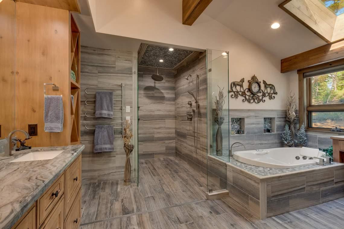 12373-Greenleaf-Way-Truckee-CA-large-025-010-Primary-Bathroom-1500x1000-72dpi