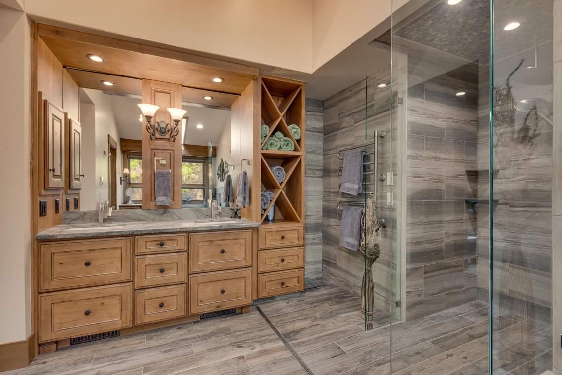 12373-Greenleaf-Way-Truckee-CA-large-026-018-Primary-Bathroom-1500x1000-72dpi