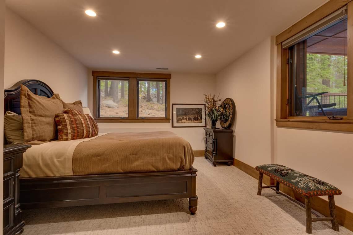 12373-Greenleaf-Way-Truckee-CA-large-029-014-Bedroom-1500x1000-72dpi
