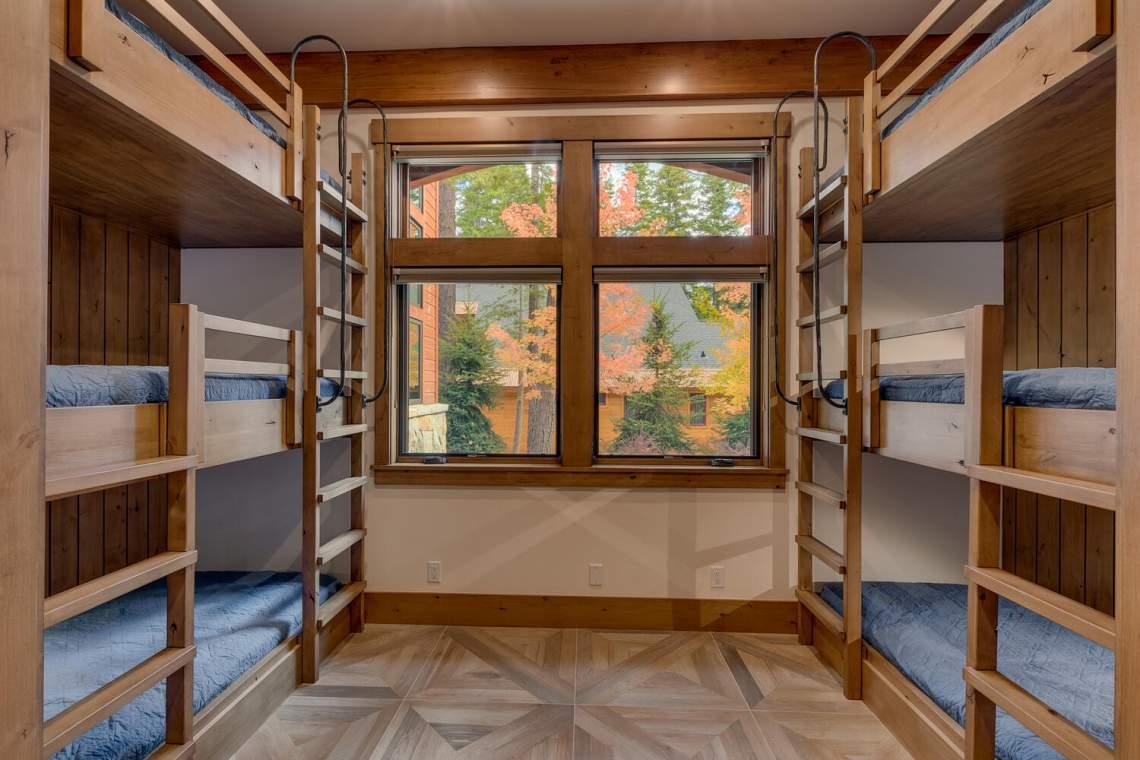 12373-Greenleaf-Way-Truckee-CA-large-031-044-Bunk-Room-1500x1000-72dpi