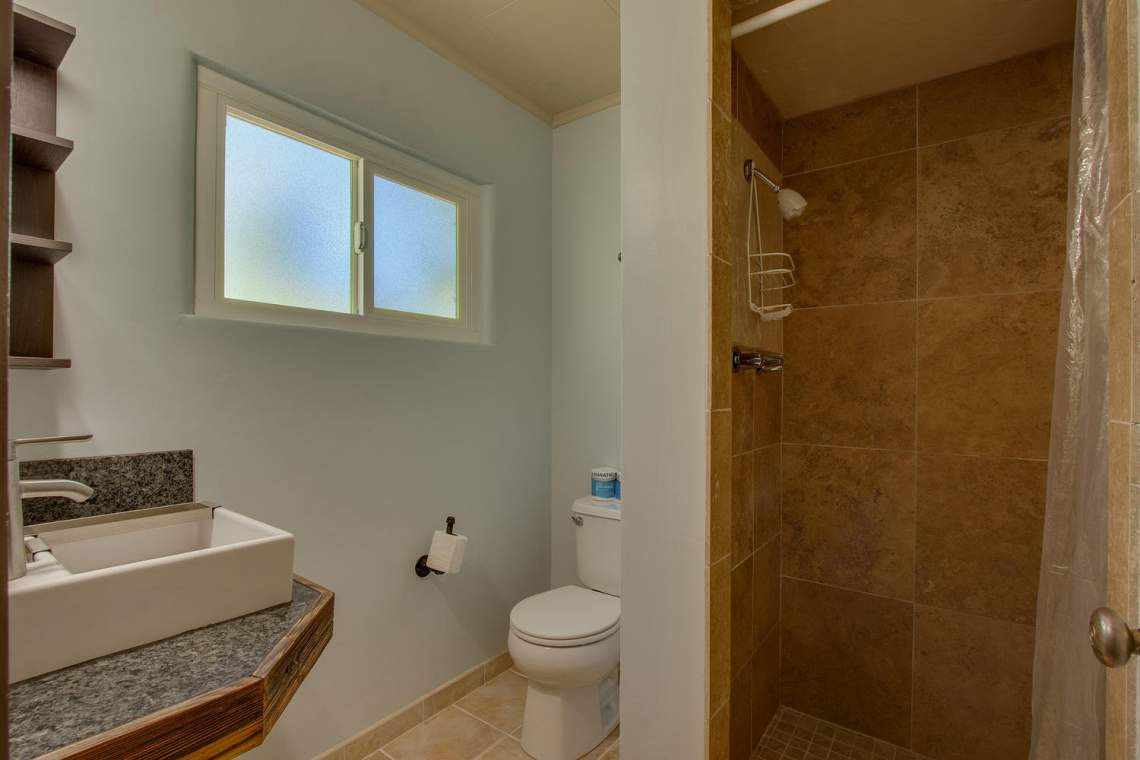 8931 N Lake Blvd Kings Beach-large-015-20-Bathroom-1500x1000-72dpi