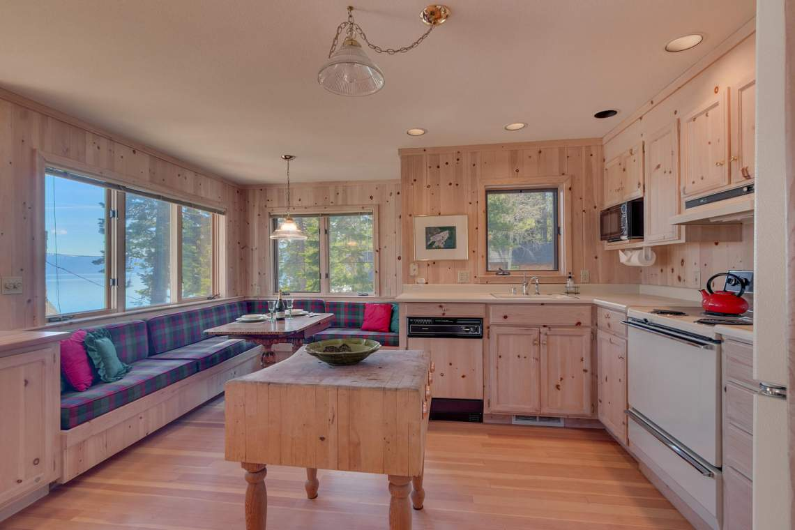 8245-Meeks-Bay-Ave-Tahoma-CA-large-007-009-Kitchen-1500x1000-72dpi
