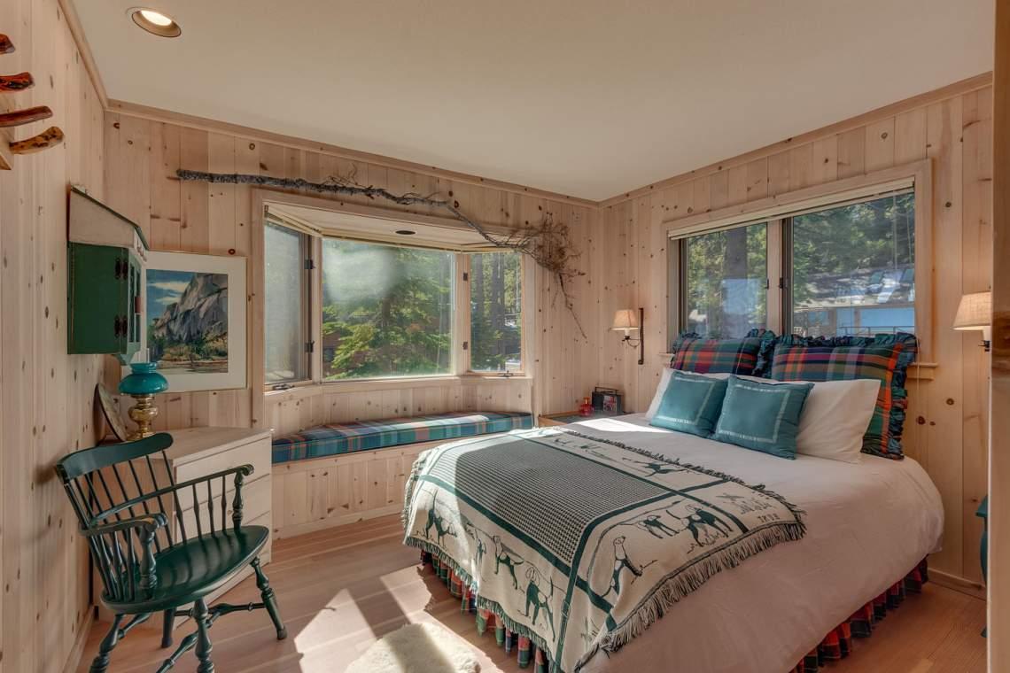 8245-Meeks-Bay-Ave-Tahoma-CA-large-010-008-Bedroom-1500x1000-72dpi