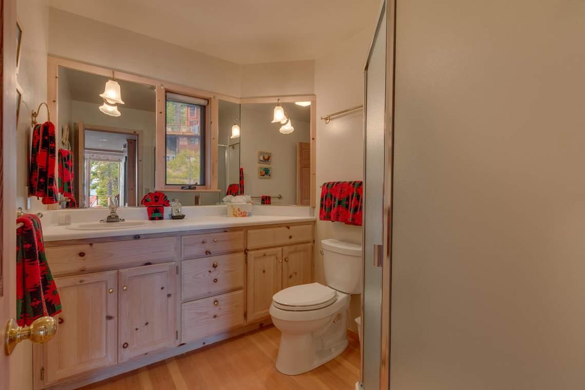 8245-Meeks-Bay-Ave-Tahoma-CA-large-013-012-Bathroom-1500x1000-72dpi