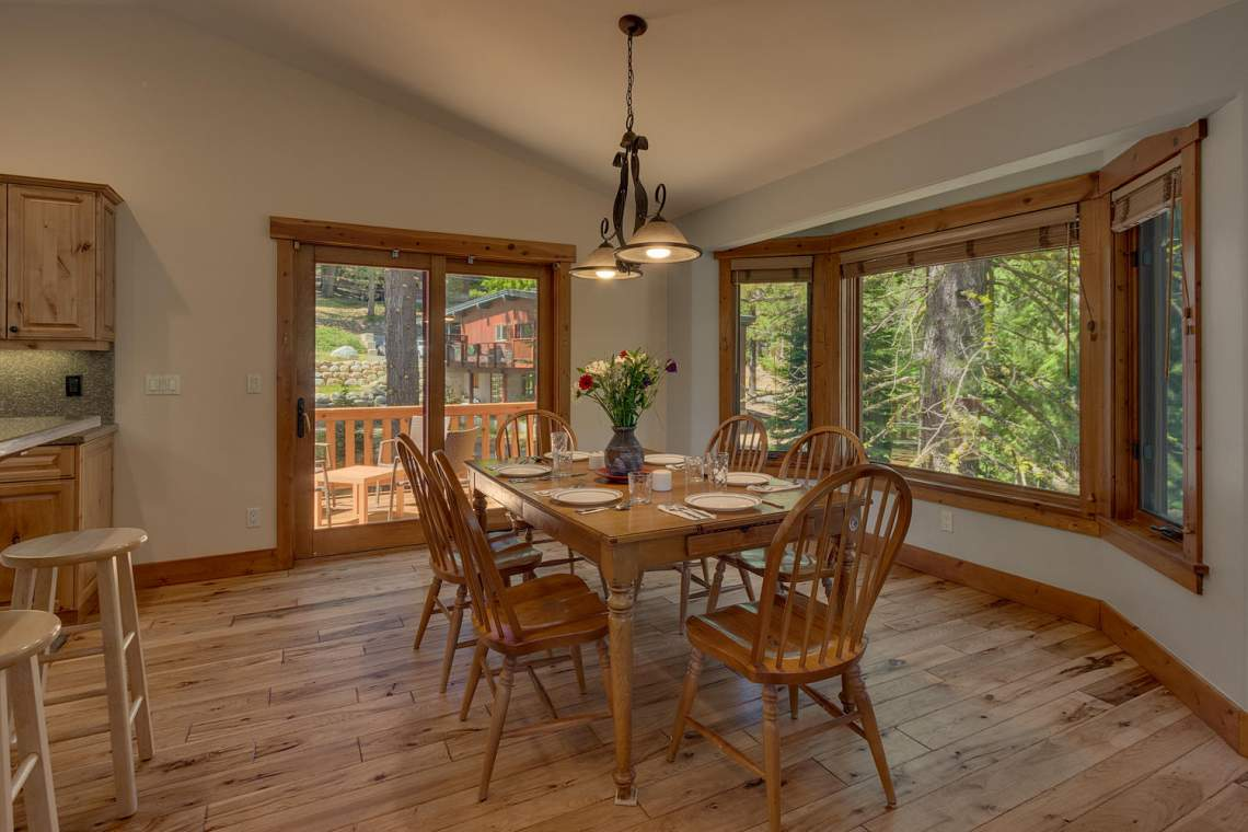 1204-Lanny-Ln-Olympic-Valley-large-006-002-Dining-Room-1500x1000-72dpi