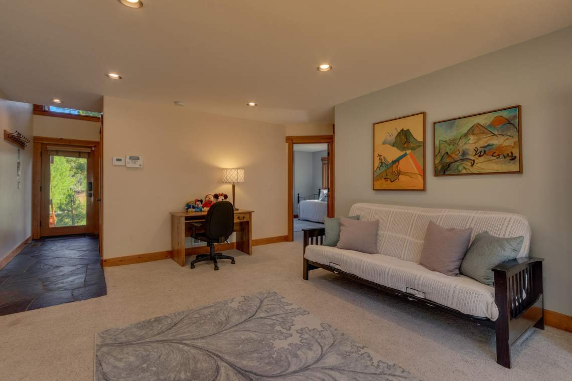 1204-Lanny-Ln-Olympic-Valley-large-019-013-Living-Room-1500x1000-72dpi
