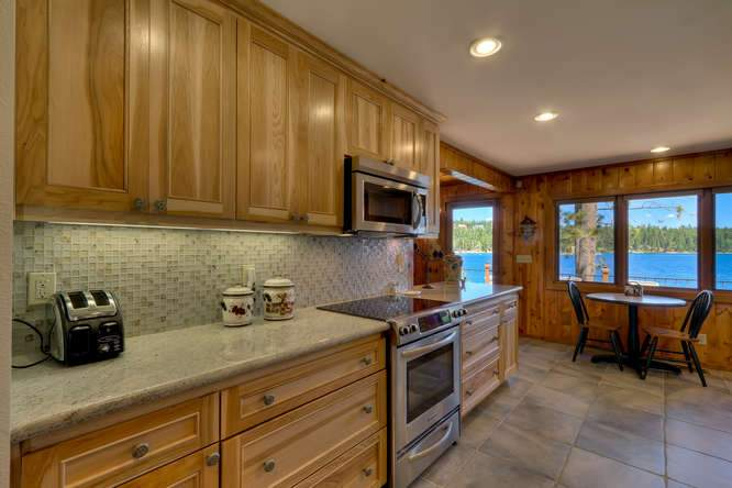 8193 Meeks Bay Ave Tahoma CA-small-013-36-Kitchen-666x444-72dpi
