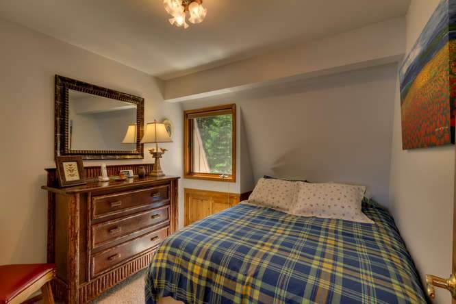 8193 Meeks Bay Ave Tahoma CA-small-026-26-Bedroom-666x444-72dpi