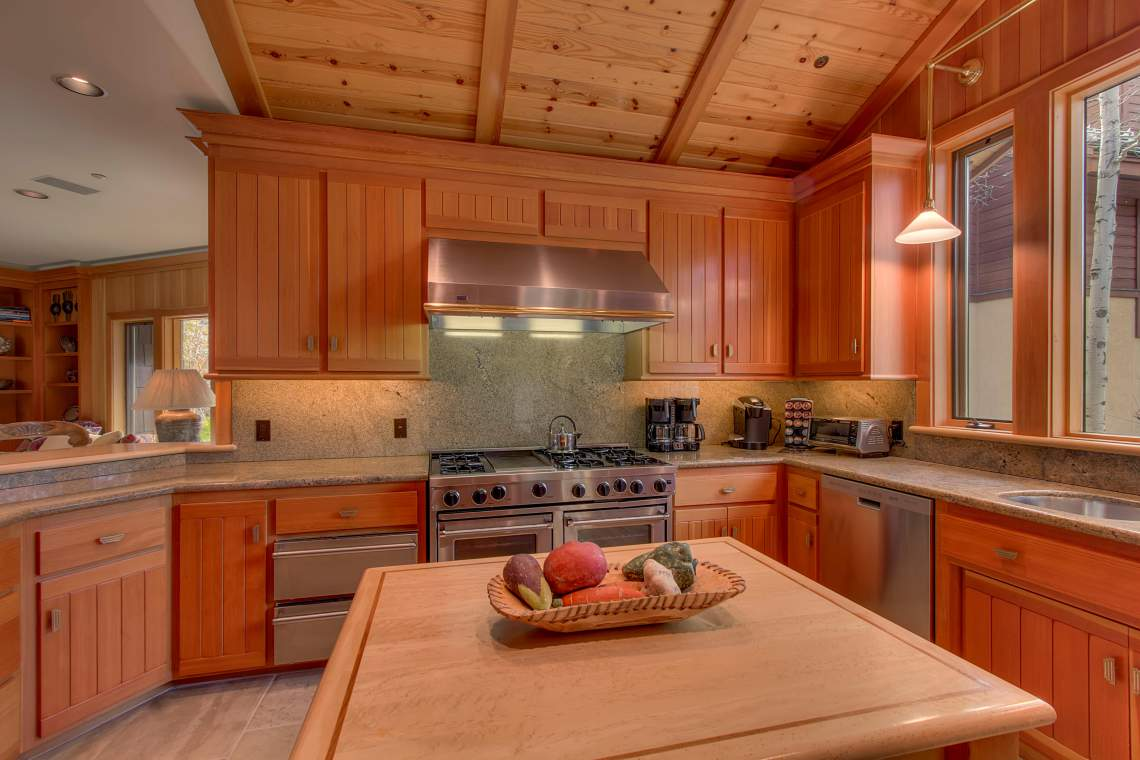 3022 Mountain Links Dr Olympic-print-009-Kitchen-4200x2800-300dpi
