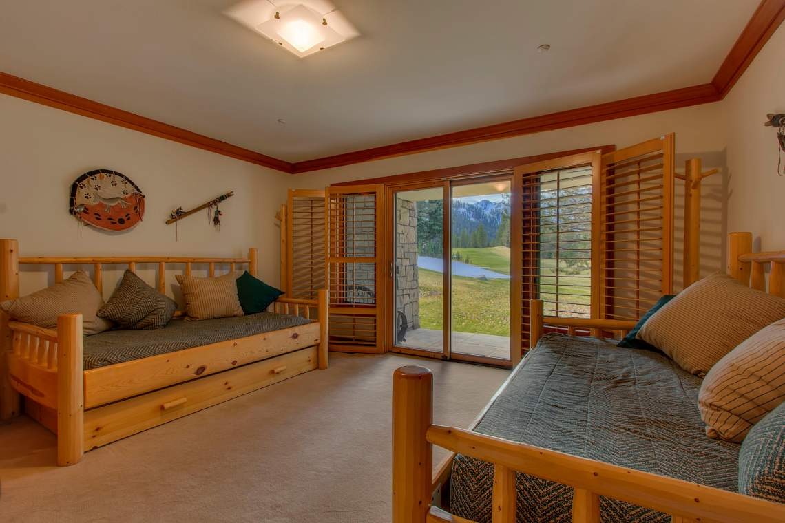 3022 Mountain Links Dr Olympic-print-025-Guest Suite-4200x2800-300dpi