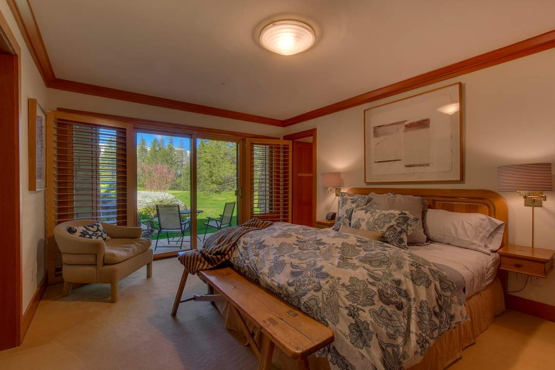 3022 Mountain Links Dr Olympic-print-027-Guest Bedroom-4200x2800-300dpi