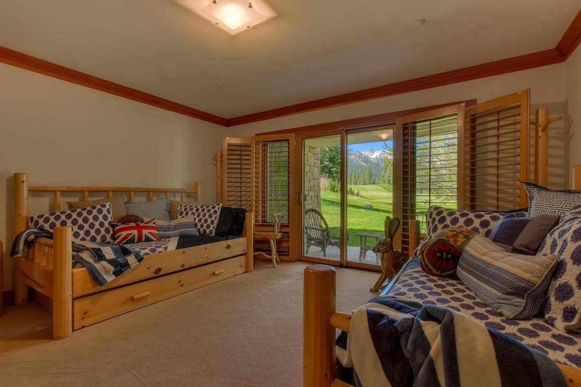 3022 Mountain Links Dr Olympic-print-028-Guest Bedroom-4200x2800-300dpi