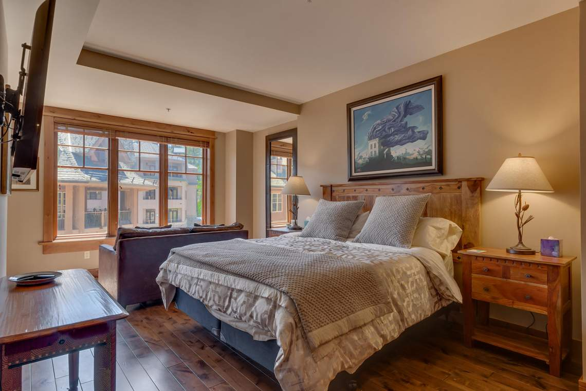 4001 Northstar Dr 403 Truckee-large-007-13-Bedroom En suite-1500x1000-72dpi