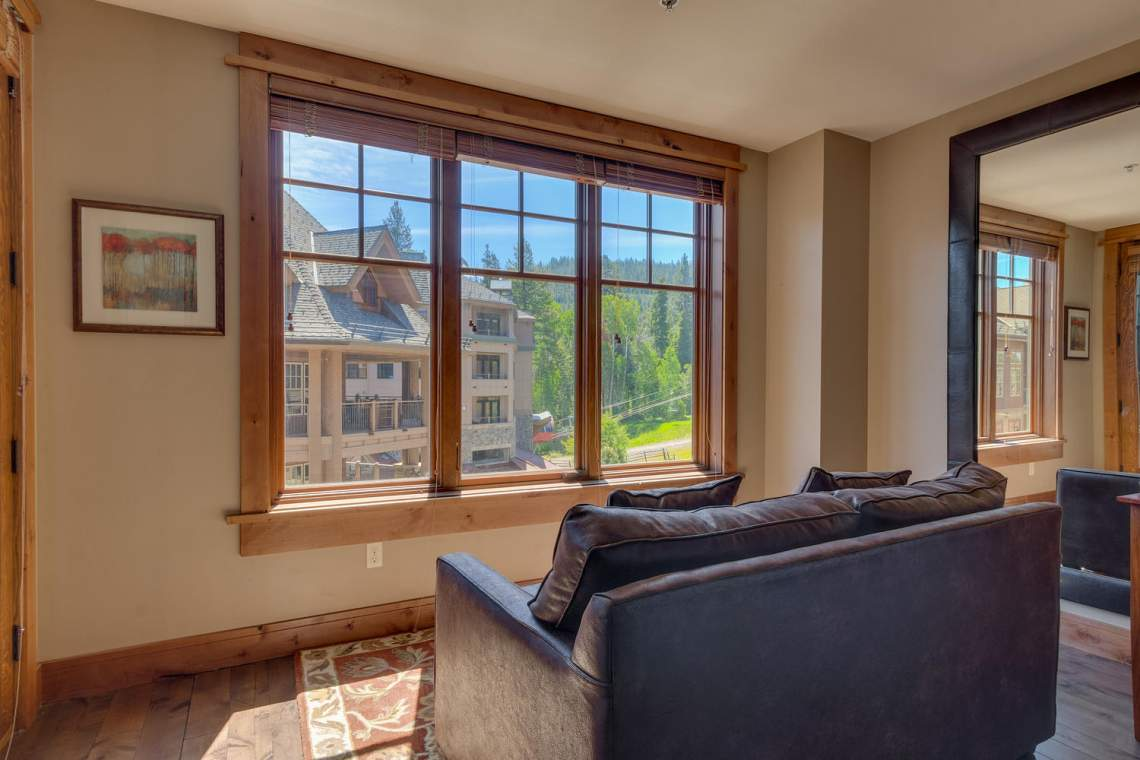 4001 Northstar Dr 403 Truckee-large-008-14-Bedroom En suite-1500x1000-72dpi