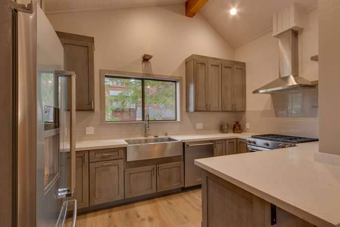 1370 Pine Trail Alpine Meadows-small-011-8-Kitchen-666x444-72dpi