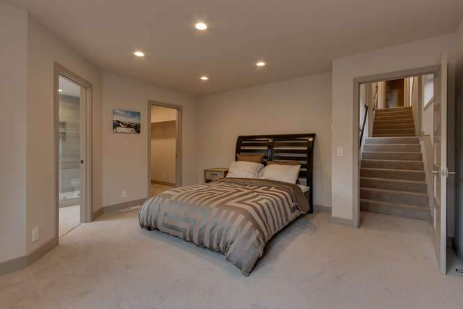 1370 Pine Trail Alpine Meadows-small-013-16-Master Bedroom Ensuite-666x444-72dpi