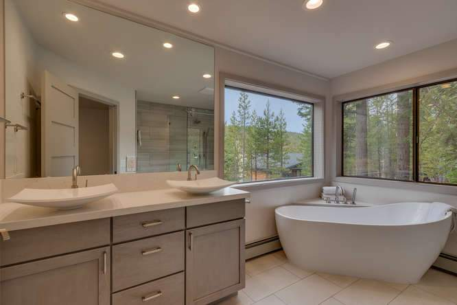 1370 Pine Trail Alpine Meadows-small-015-19-Master Bathroom-666x445-72dpi
