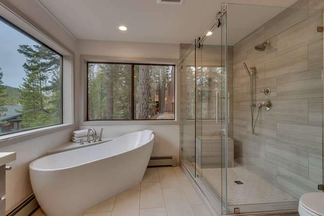 1370 Pine Trail Alpine Meadows-small-016-25-Master Bathroom-666x444-72dpi