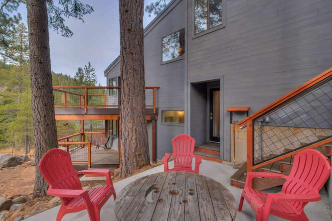 1370 Pine Trail Alpine Meadows-small-018-15-Side Patio-666x444-72dpi