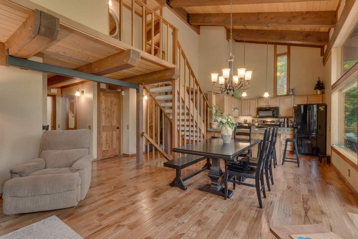 1440 Pine Trail Alpine Meadows-large-006-35-Living Room-1500x1000-72dpi