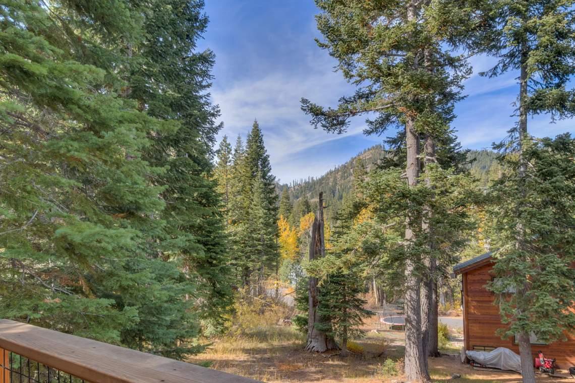 1440 Pine Trail Alpine Meadows-large-013-30-Patio-1500x1000-72dpi