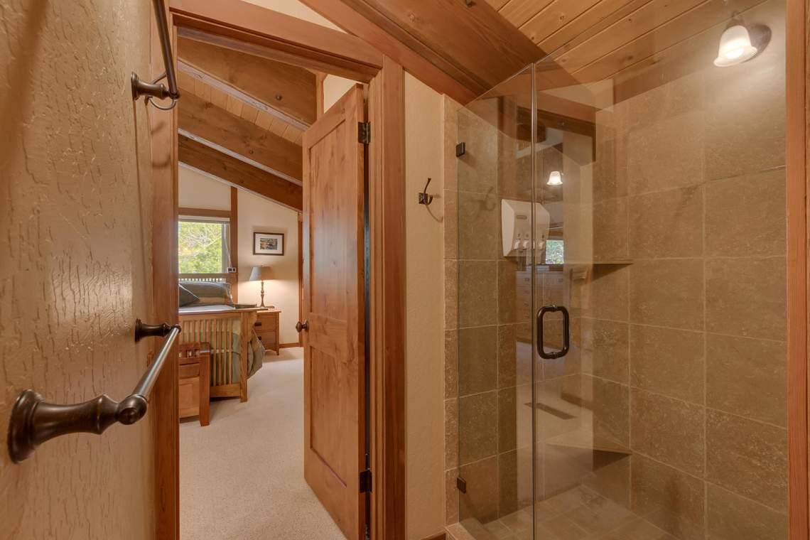 1440 Pine Trail Alpine Meadows-large-015-41-Master Bath-1500x1000-72dpi