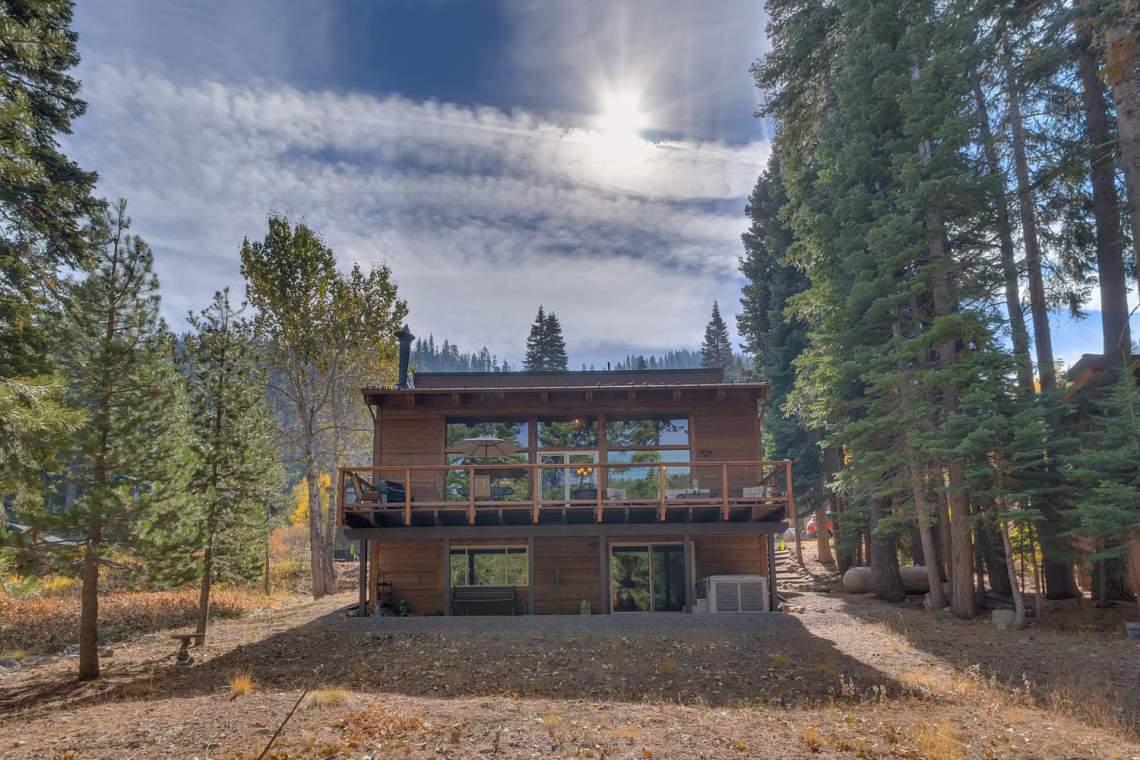 1440 Pine Trail Alpine Meadows-large-020-31-Back of House-1500x1000-72dpi
