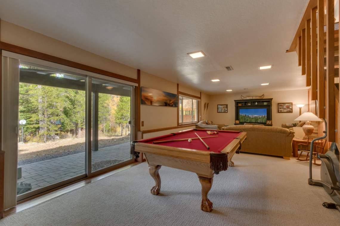 1440 Pine Trail Alpine Meadows-large-024-38-Family Room-1500x1000-72dpi