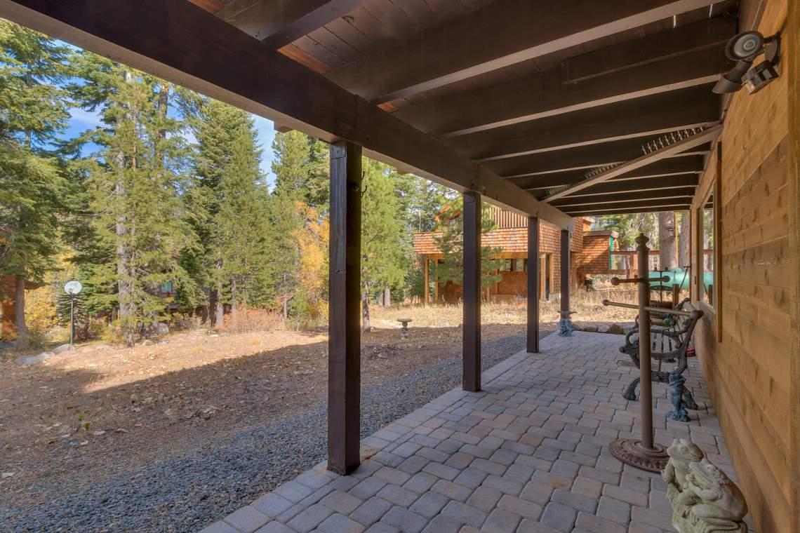 1440 Pine Trail Alpine Meadows-large-028-44-Back Yard-1500x1000-72dpi