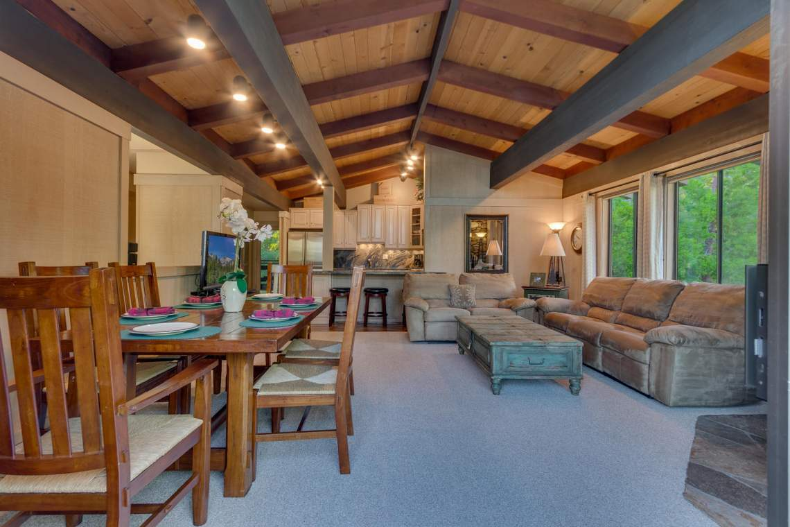 1877-N-Lake-Blvd-49-Tahoe-City-large-004-002-Living-Room-1500x1000-72dpi