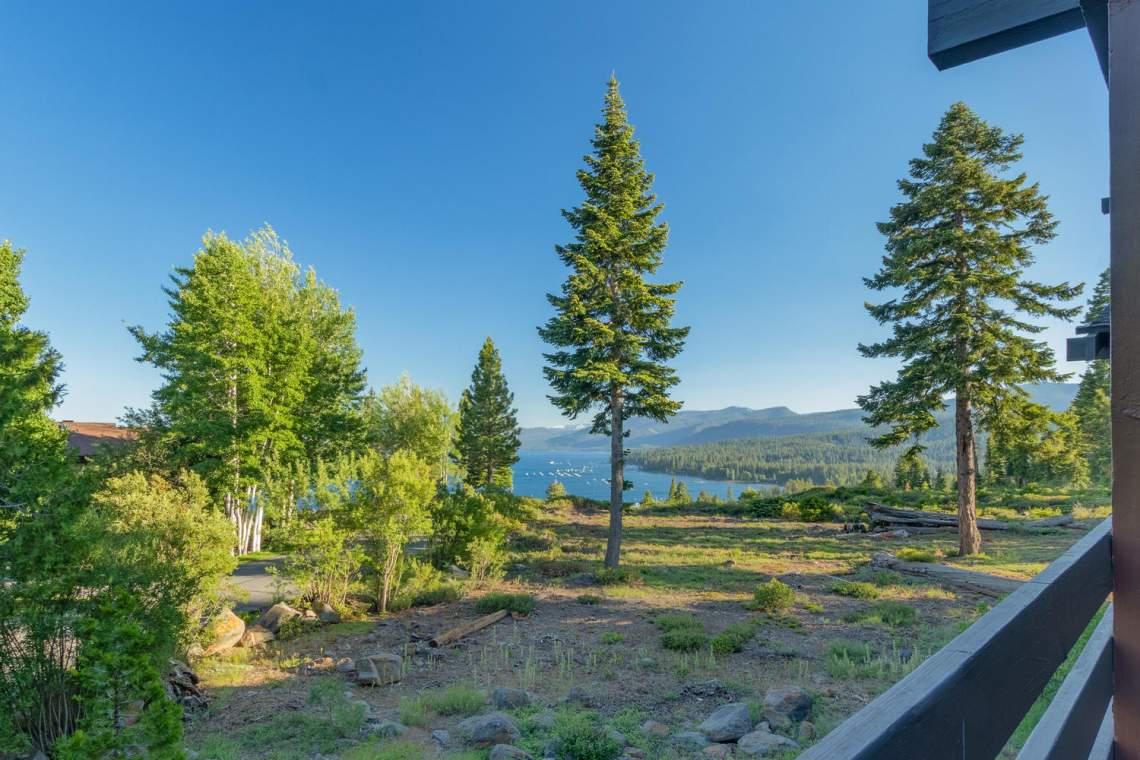 1877-N-Lake-Blvd-49-Tahoe-City-large-009-001-Deck-View-1500x1000-72dpi