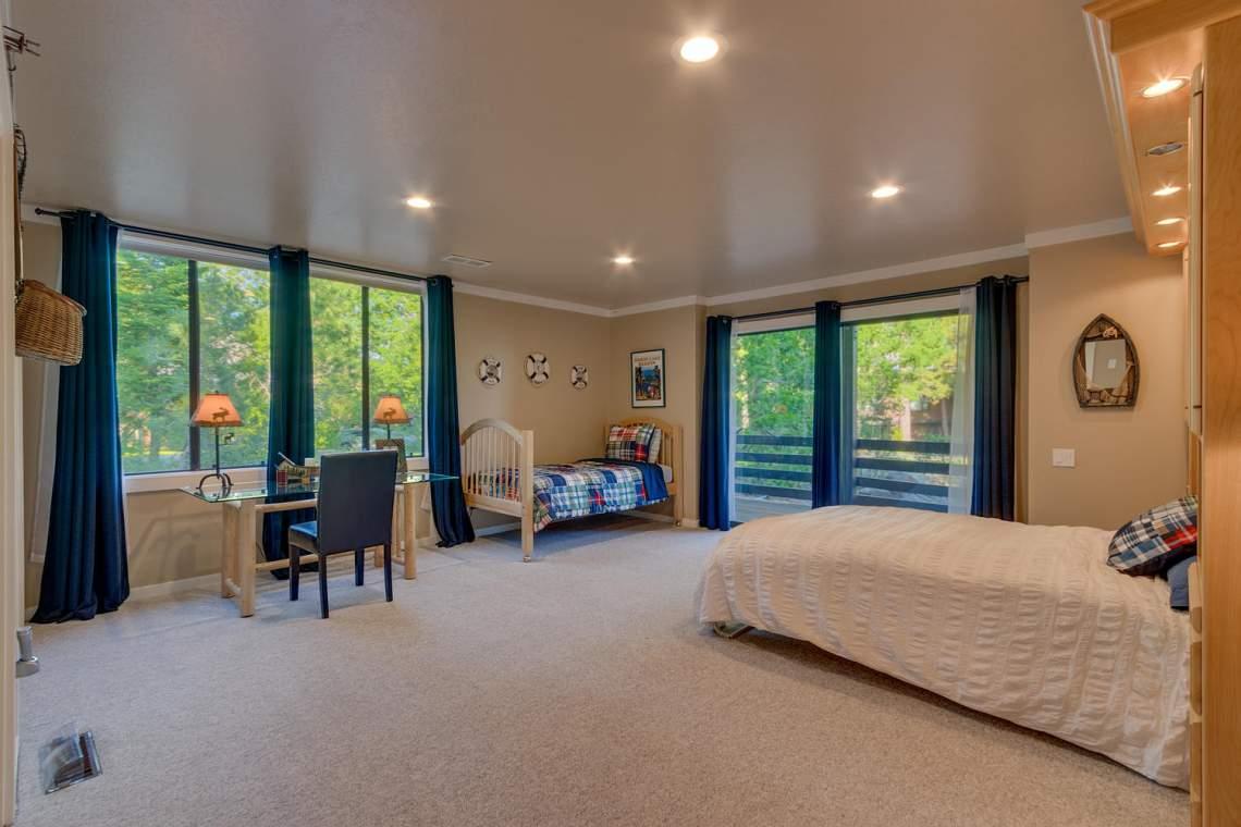 1877-N-Lake-Blvd-49-Tahoe-City-large-012-013-Bedroom-1500x1000-72dpi