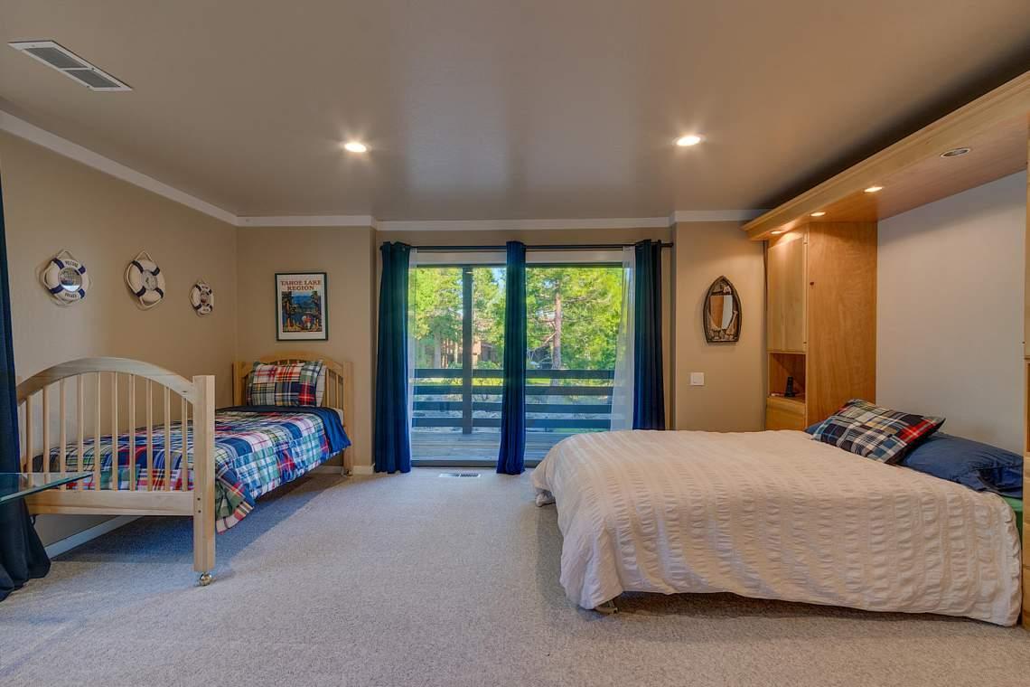 1877-N-Lake-Blvd-49-Tahoe-City-large-013-010-Bedroom-1500x1000-72dpi
