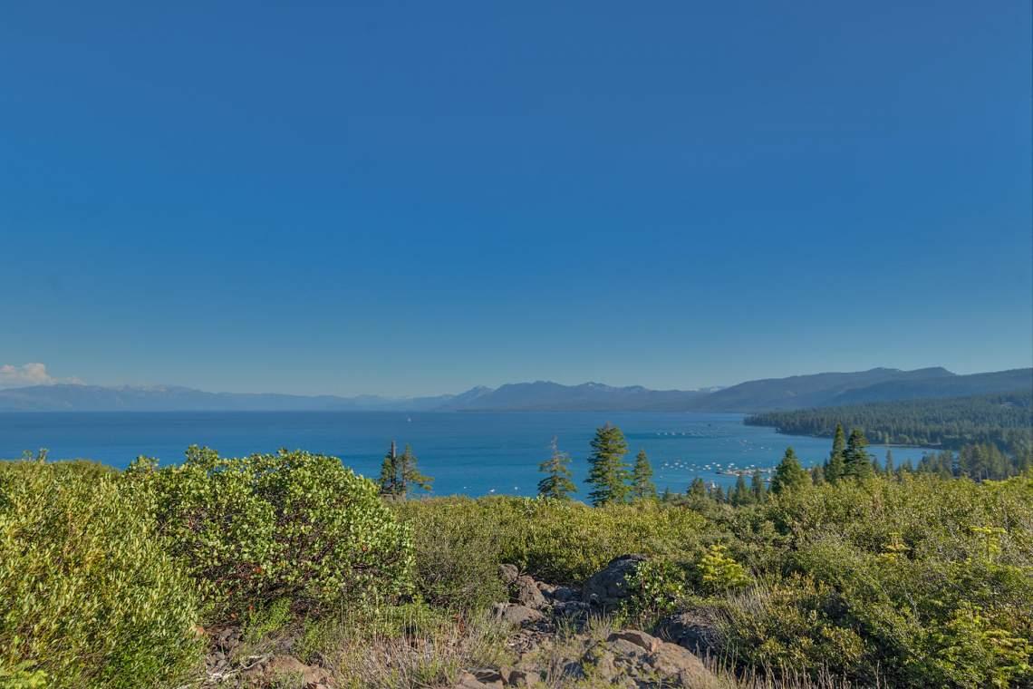 1877-N-Lake-Blvd-49-Tahoe-City-large-025-023-View-1500x1000-72dpi
