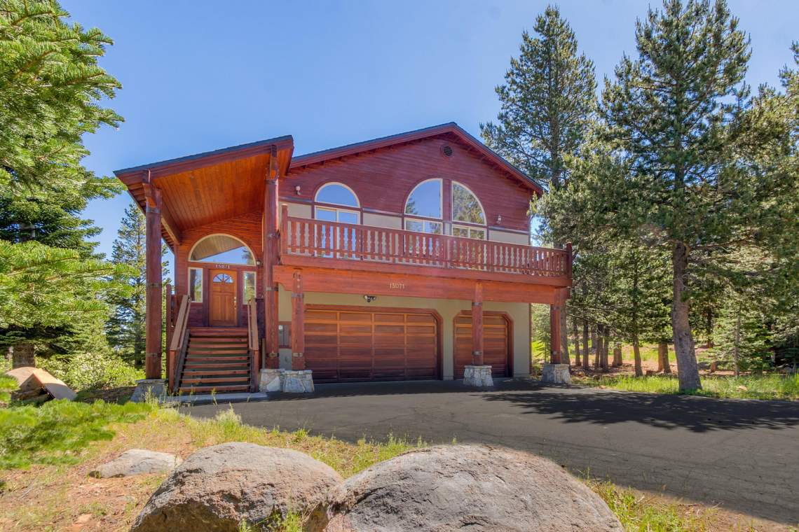 15071 Skislope Way Truckee CA-large-003-30-Front Exterior-1500x1000-72dpi