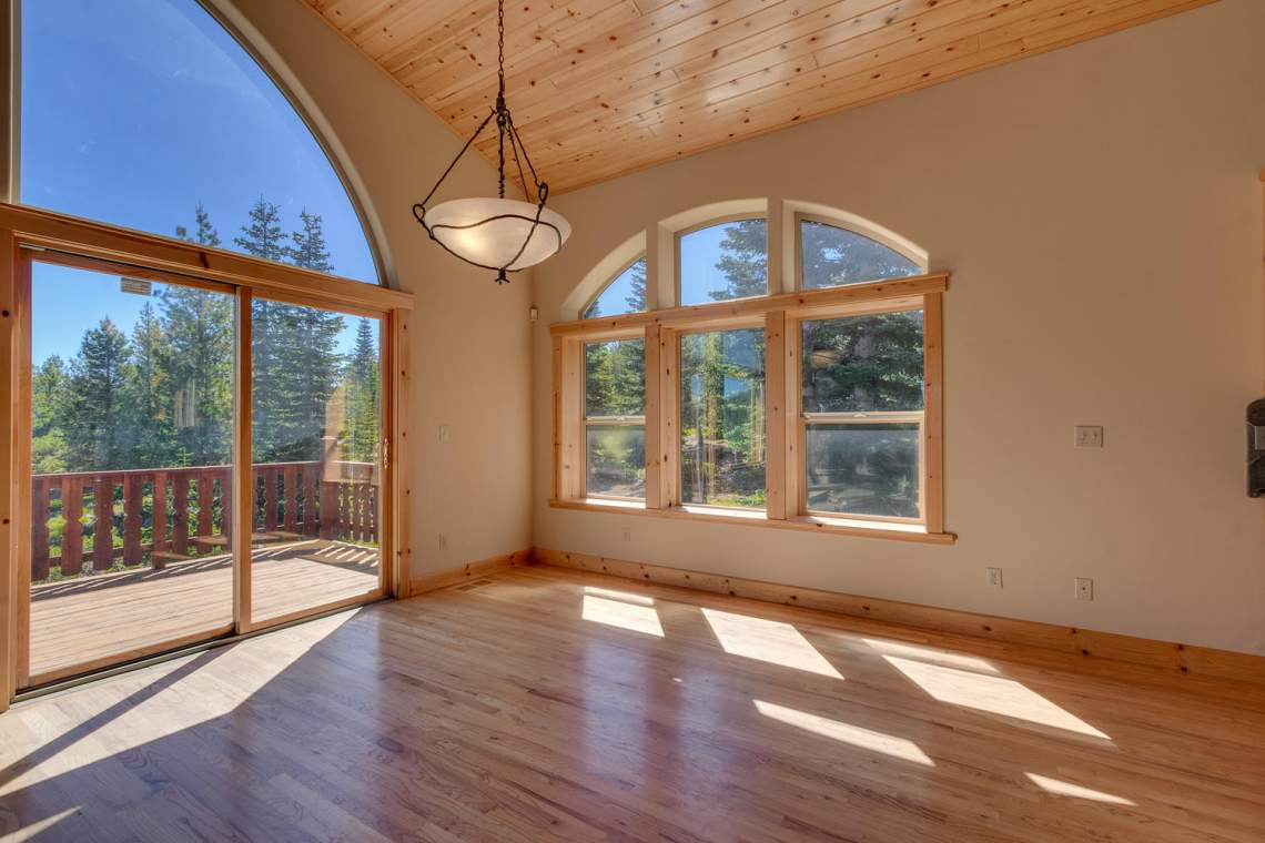 15071 Skislope Way Truckee CA-large-004-17-Dining Room-1500x1000-72dpi