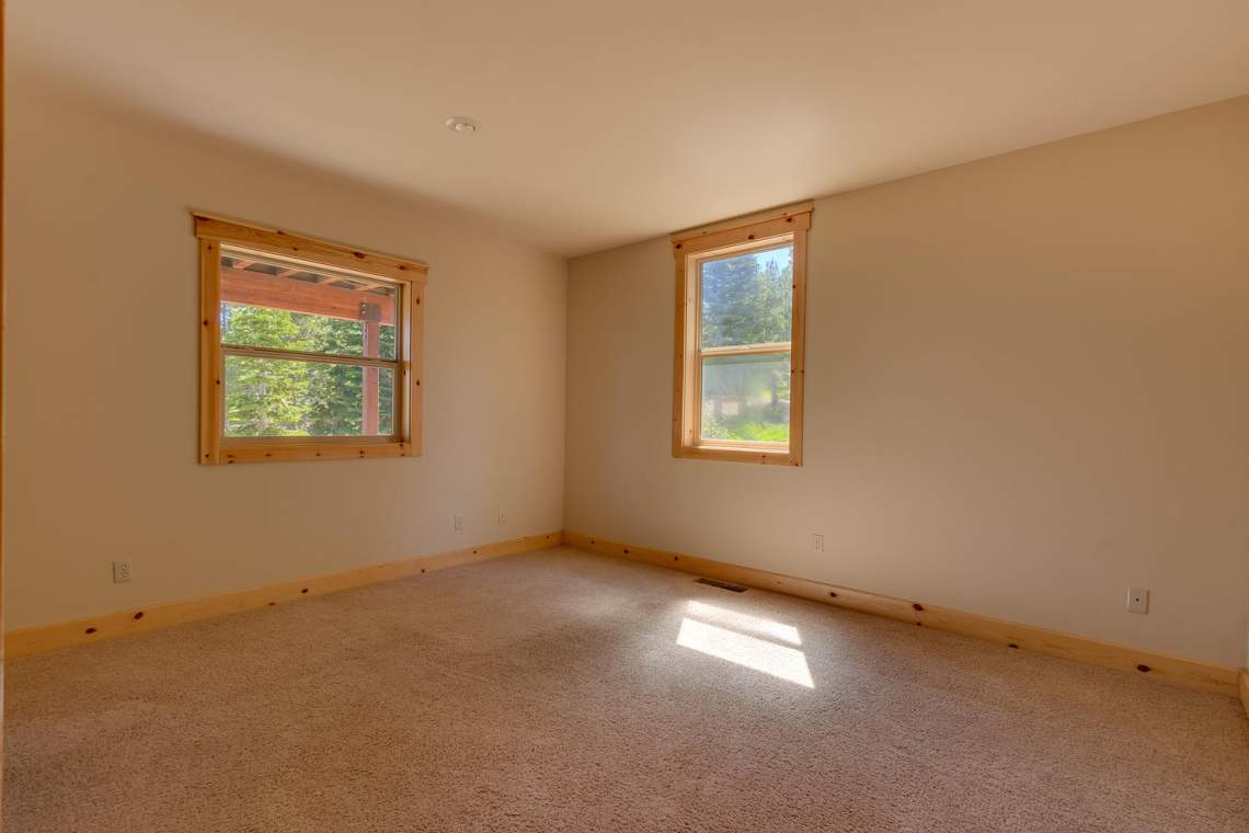 15071 Skislope Way Truckee CA-large-021-1-Bedroom-1500x1000-72dpi