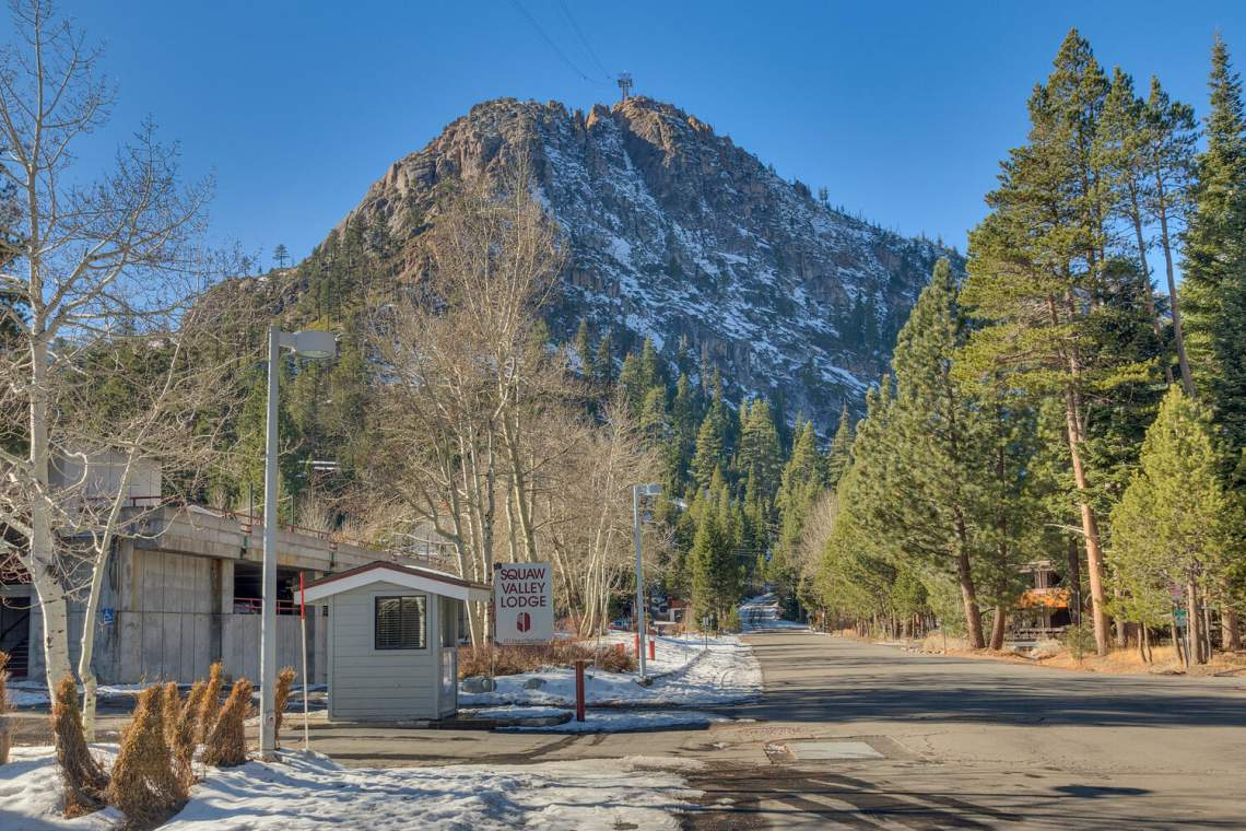 201-Squaw-Peak-Rd-Unit-718-large-024-029-Amenitites-1500x1000-72dpi