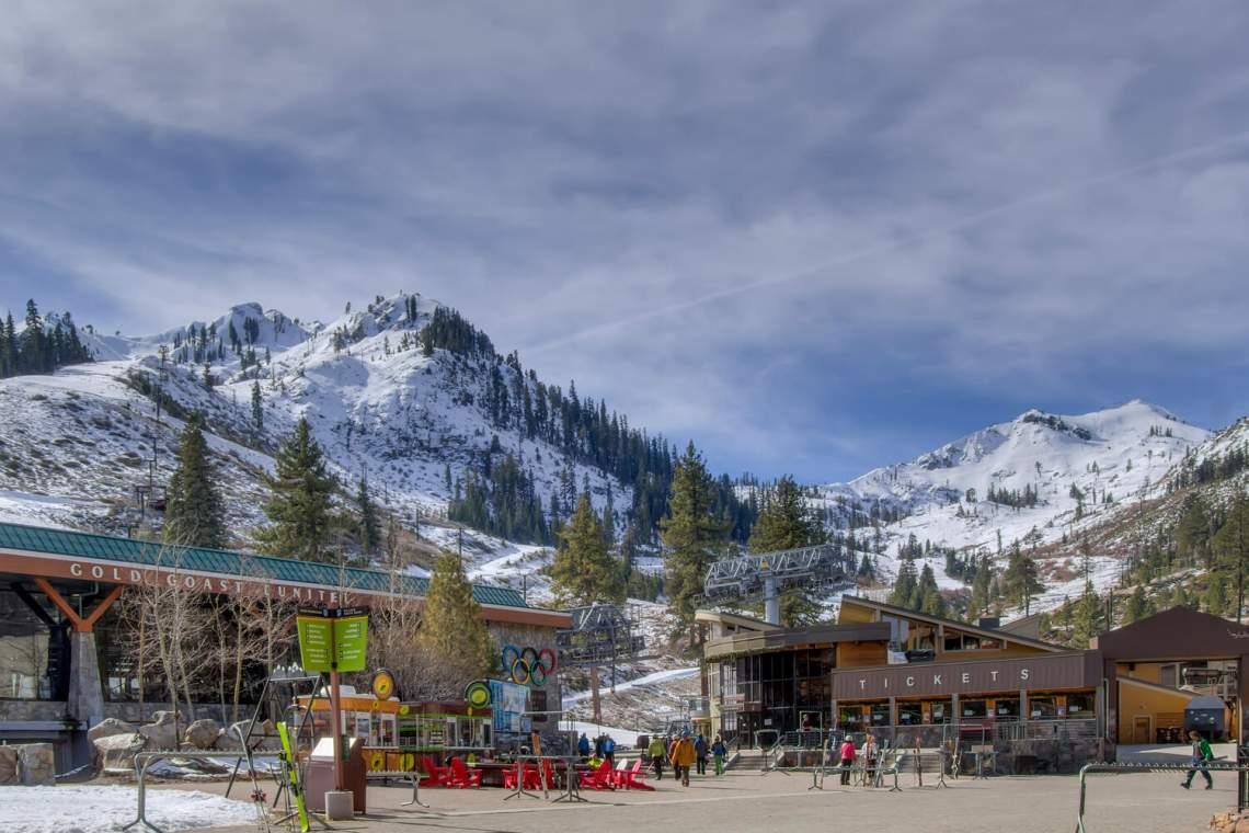 201-Squaw-Peak-Rd-Unit-718-large-028-003-Squaw-Valley-Ski-Resort-1500x1000-72dpi