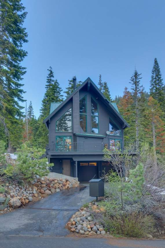 4104-Verbier-Rd-Tahoe-City-CA-large-002-001-Front-Exterior-667x1000-72dpi