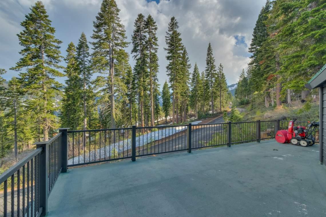 4104-Verbier-Rd-Tahoe-City-CA-large-009-012-Patio-1500x1000-72dpi-1