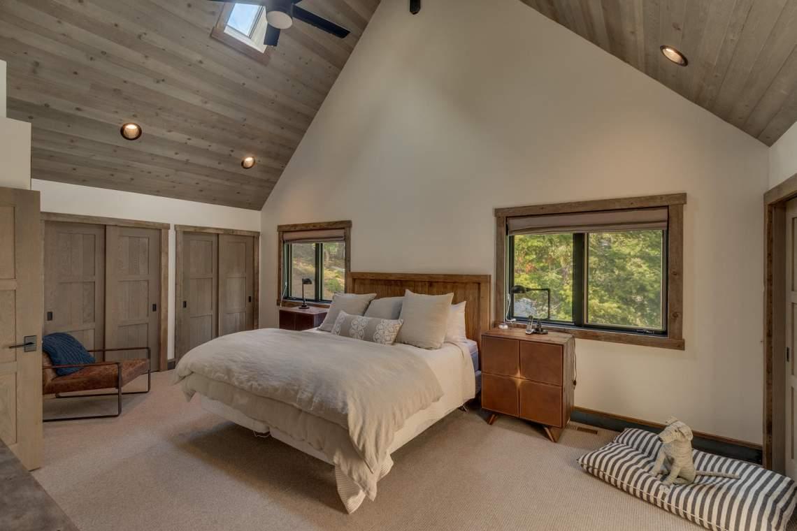 4104-Verbier-Rd-Tahoe-City-CA-large-015-019-Master-Bedroom-Ensuite-1500x1000-72dpi