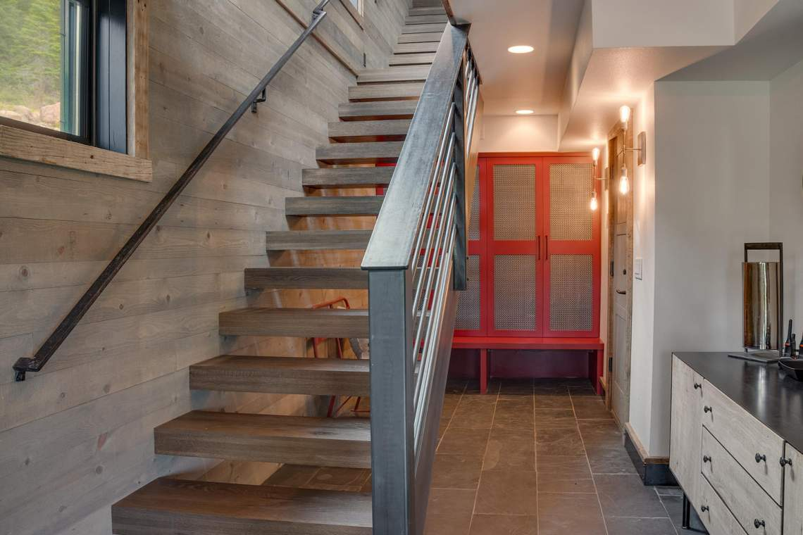 4104-Verbier-Rd-Tahoe-City-CA-large-039-032-Front-Entry-Detail-1500x1000-72dpi-Copy