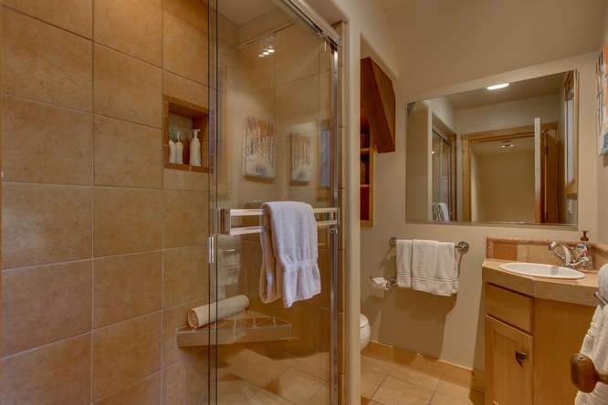 682 Victor Pl Olympic Valley-small-016-15-Bathroom-666x444-72dpi